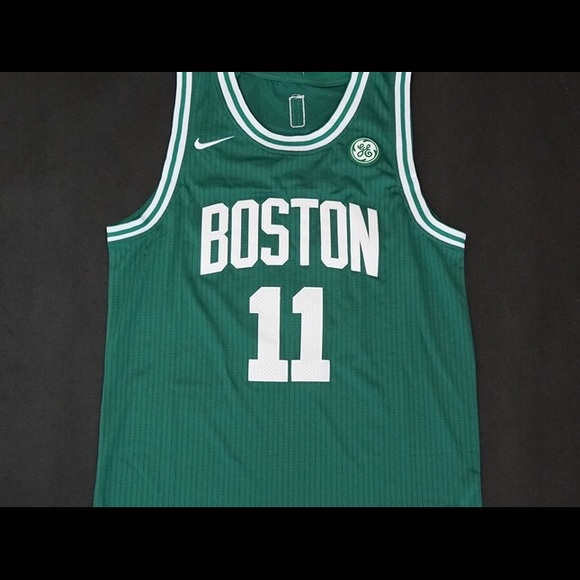 lowest price d2053 1e672 YOUTH Kyrie Irving Celtics jersey NWT